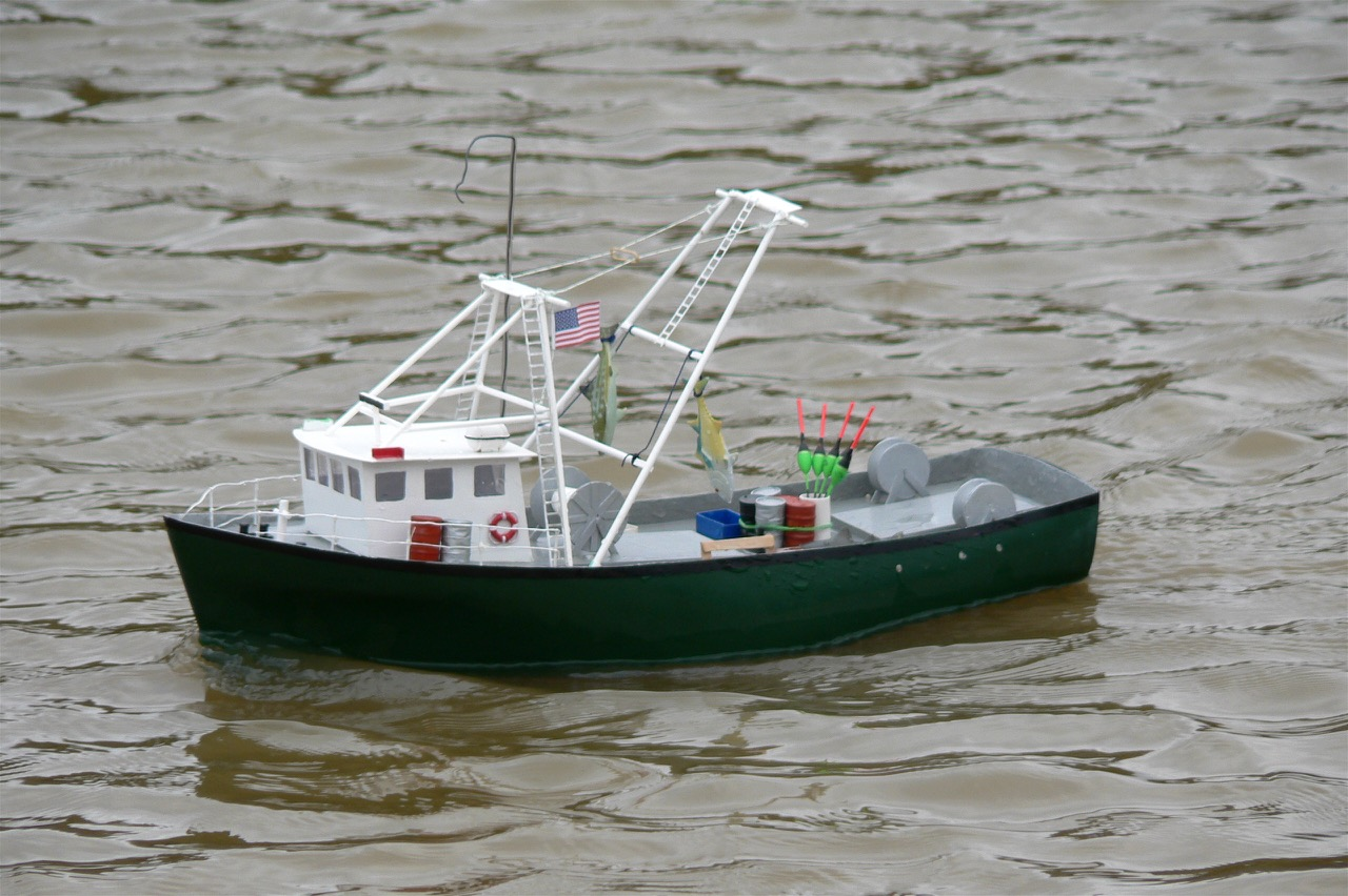 Green Hull MFV - Reg Radley