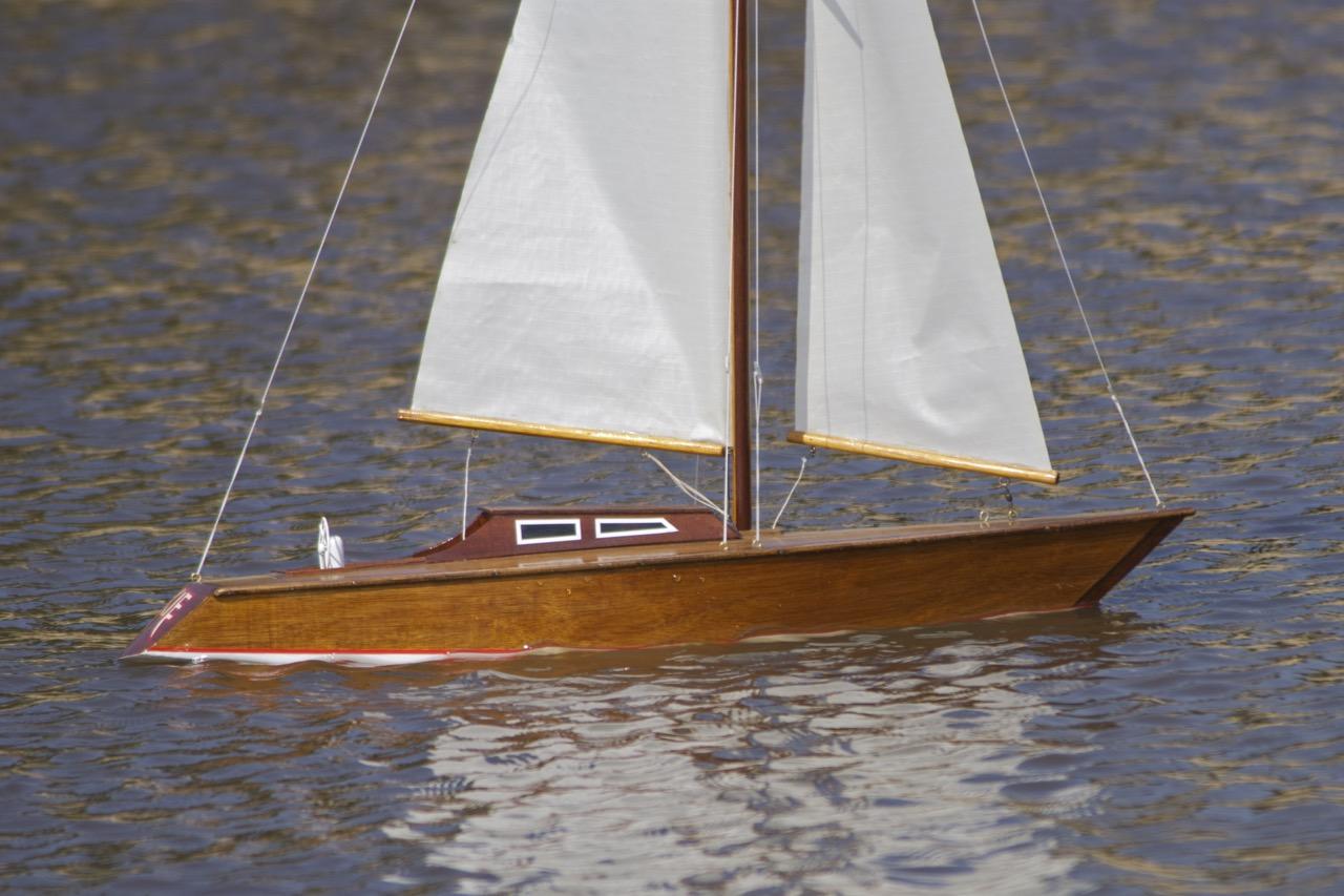 Hard Chine Yacht