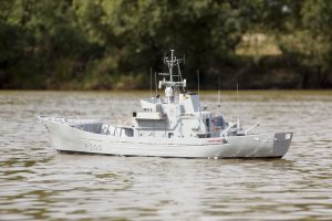 HMS Lindisfarne, Island Class