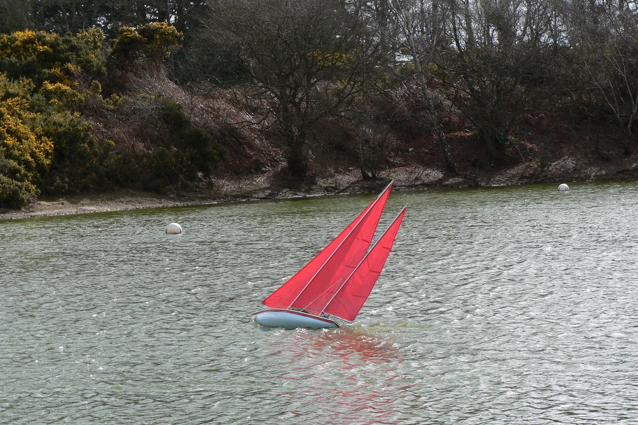 Red Sailed Ketch - Ken Dyer