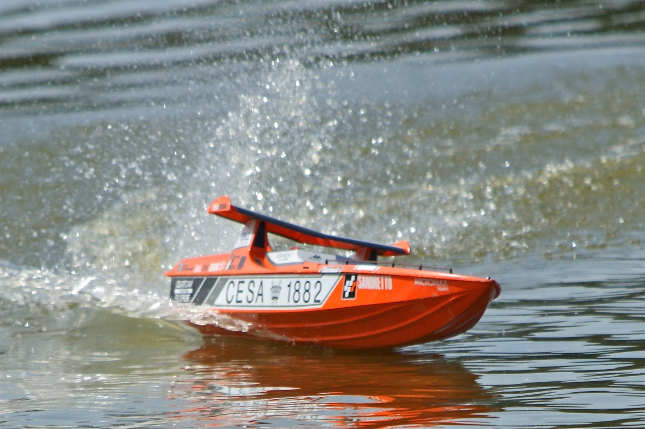 CESA 1882, racing powerboat