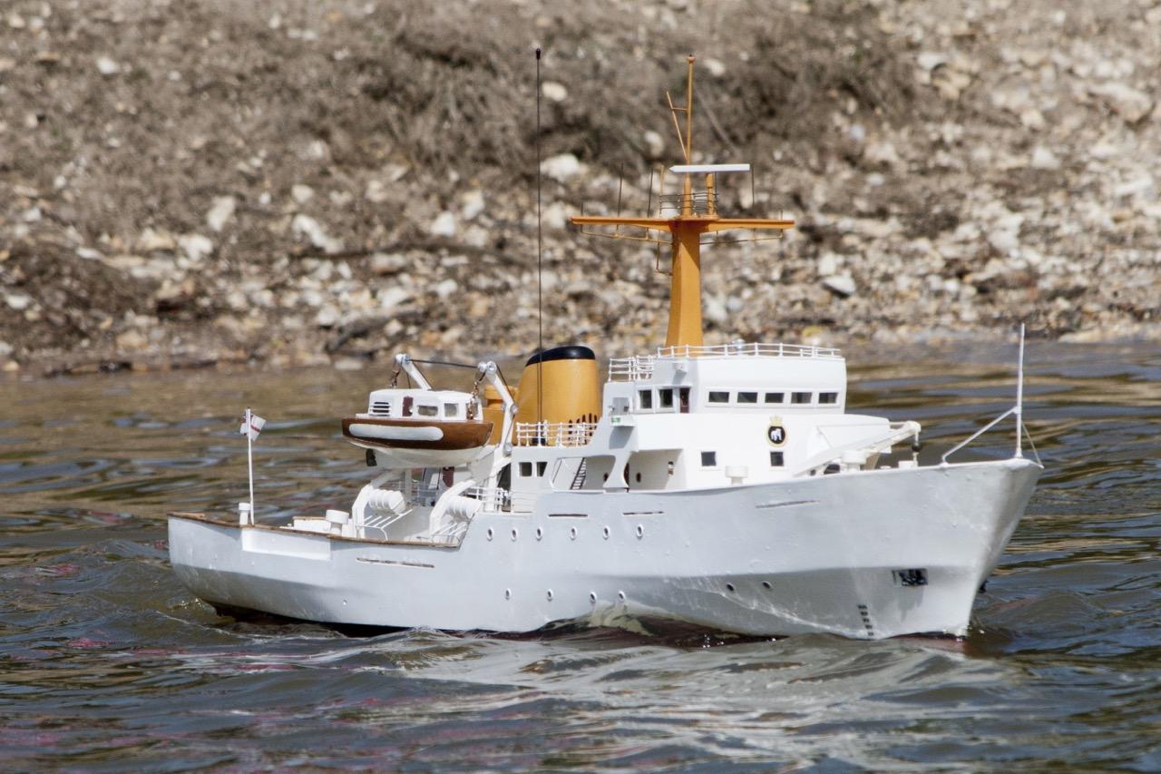 HMS Bulldog, survey ship