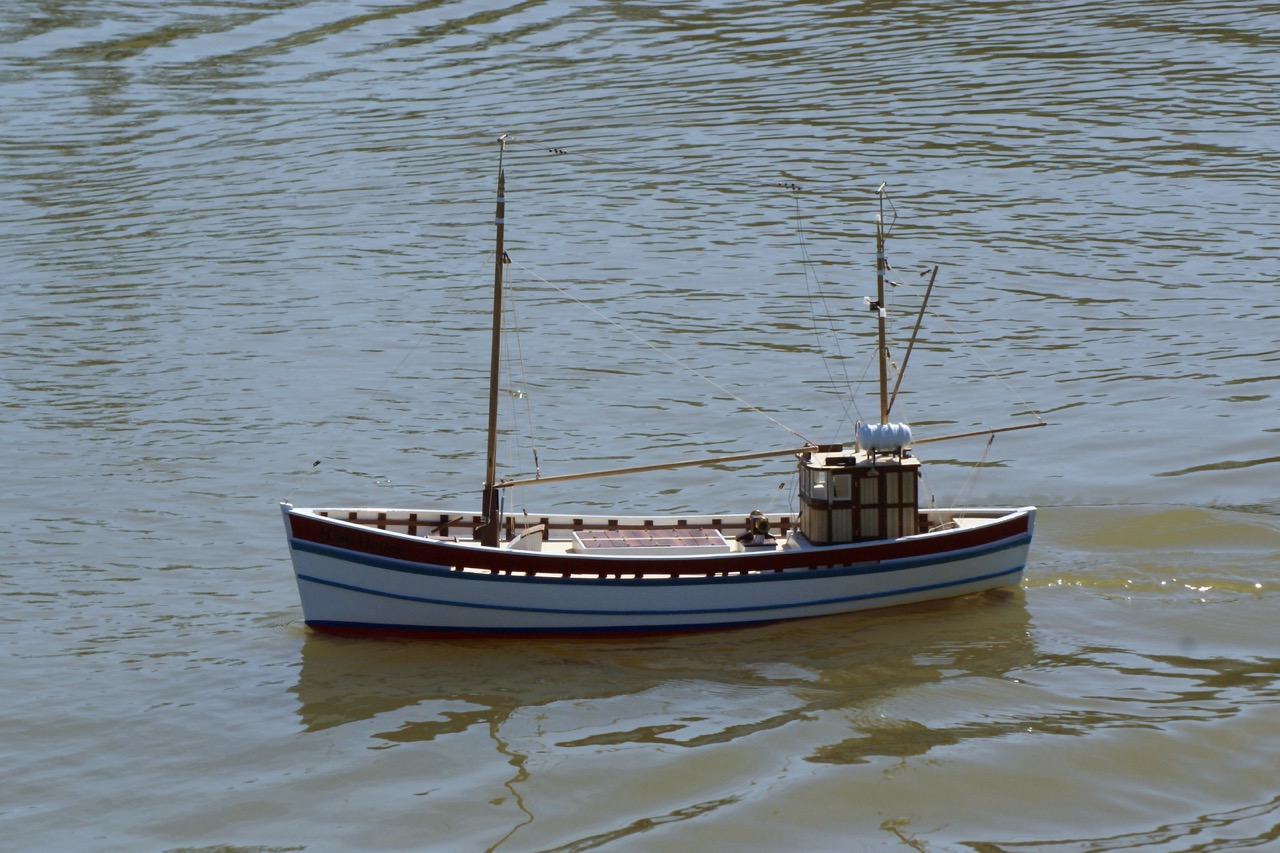 Hellen (H.96), fishing boat