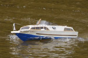 Huntsman 31, classic motor cruiser