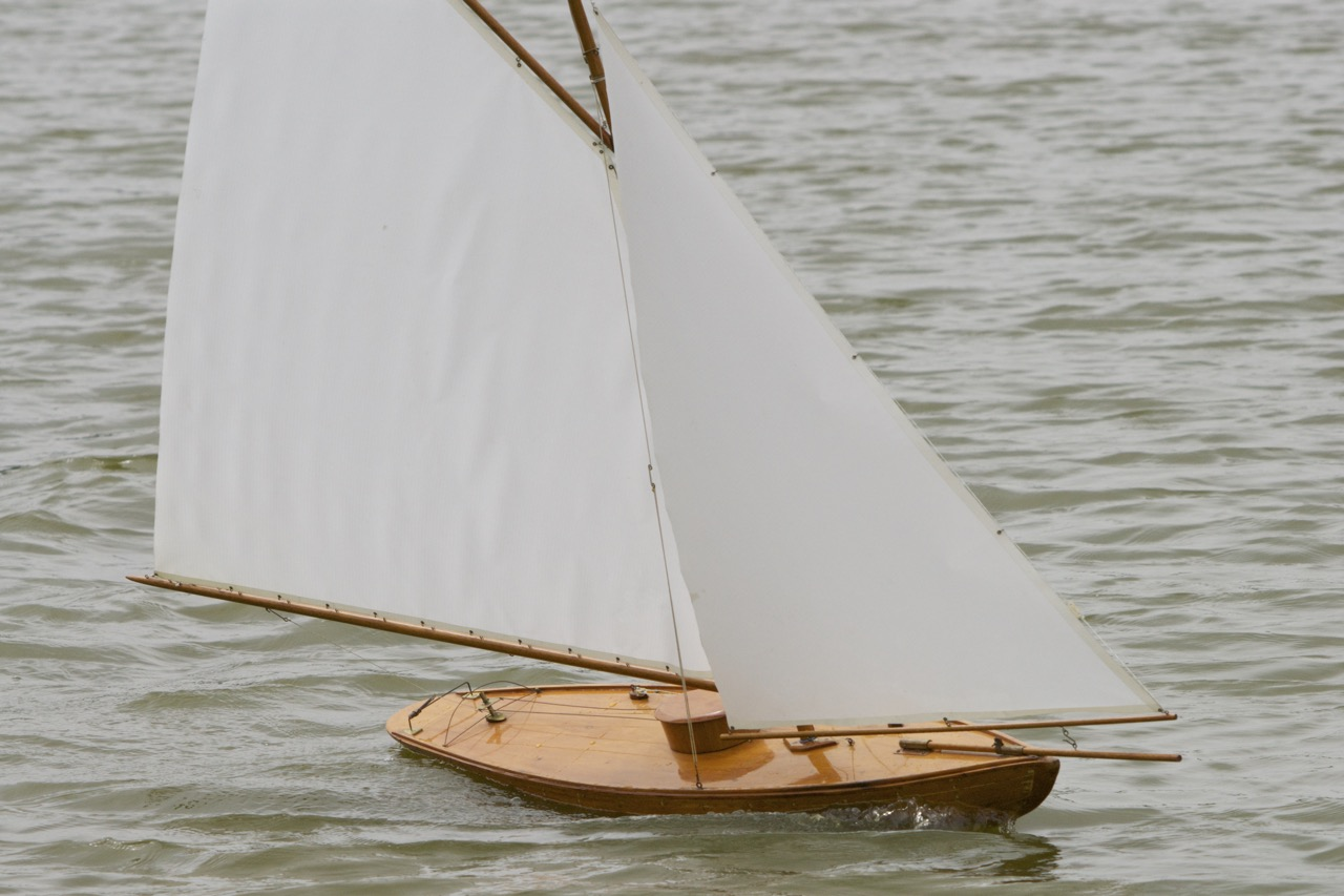 Classic 1920's Pond Sailer