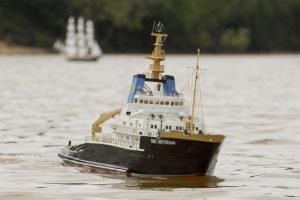 Powerful Salvage Tug; model: Jeff Stone