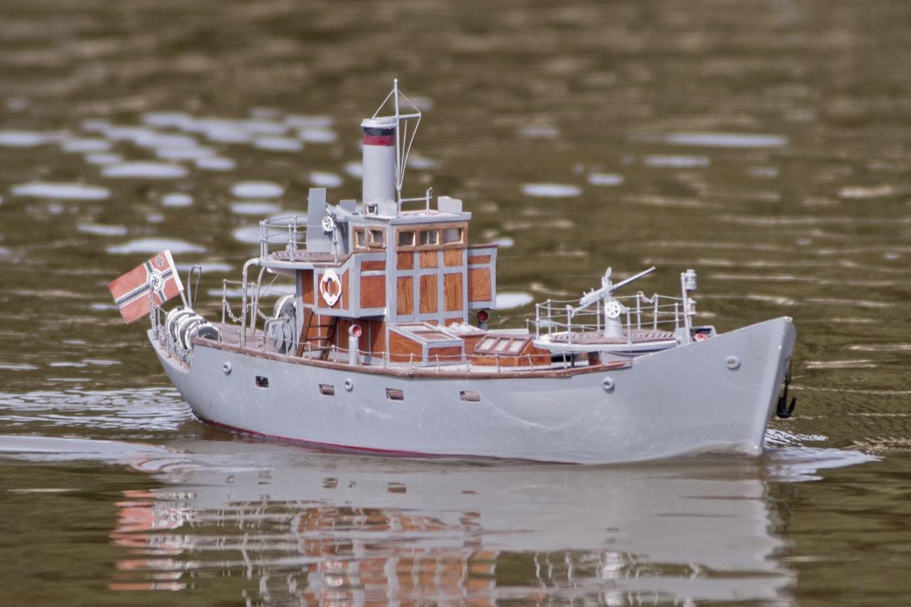 Vorspostenboot, armed trawler