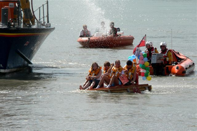 Hythe Raft Race 2006