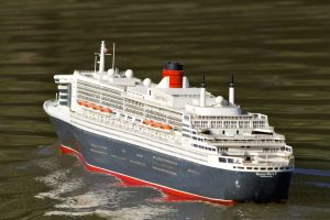 Queen Mary 2 - Don Scott