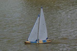 Racing Yacht - Ray Hellicar